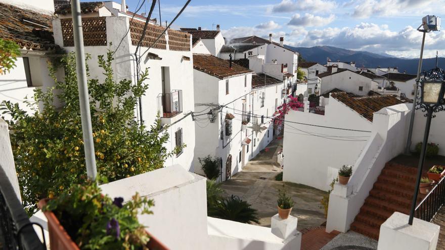 Calles de Alpandeire, en el Valle del Genal.