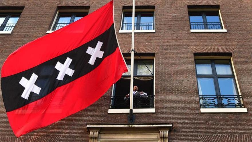 Muere de cáncer a los 62 años el alcalde de Amsterdam, Eberhard Van der Laan