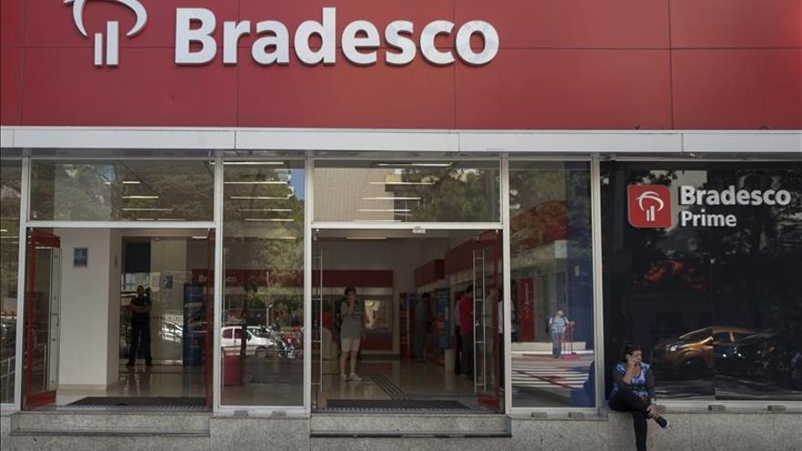 Dos altos ejecutivos del banco brasileño Bradesco mueren en la caída de una avioneta