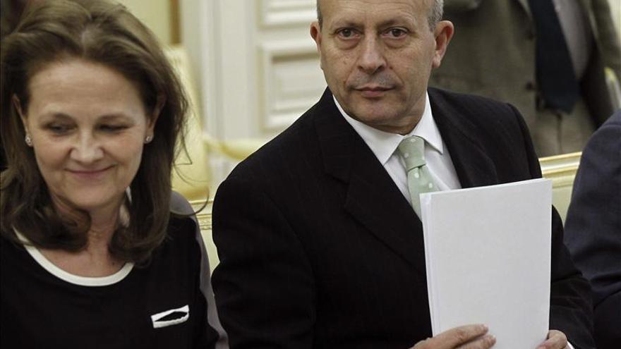 José Ignacio Wert, exministro de Educación, y Montserrat Gomendio, exsecretaria de Estado, en una foto de archivo.