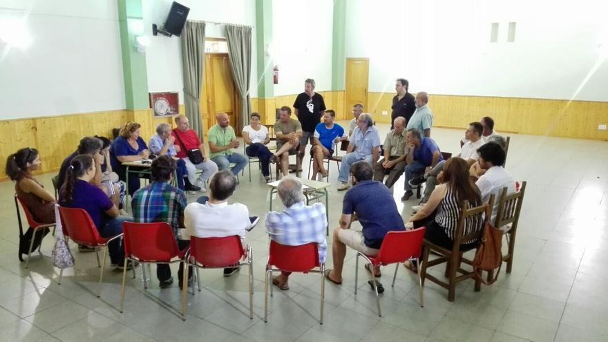 Reunión de Podemos en Cebolla