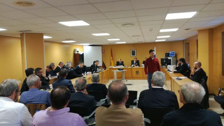 Imagen de la sesión judicial de este lunes en Santa Cruz