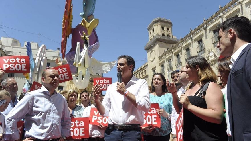 "Pedro Sánchez avisa a la ""pseudoizquierda"" de Podemos que no aceptará su referéndum: ""Por ahí no vamos a pasar"""