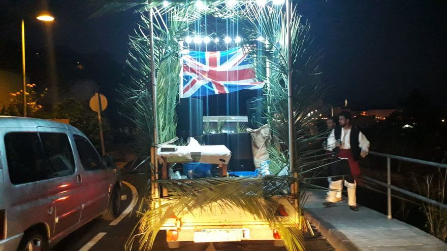 Carroza con la bandera británica.