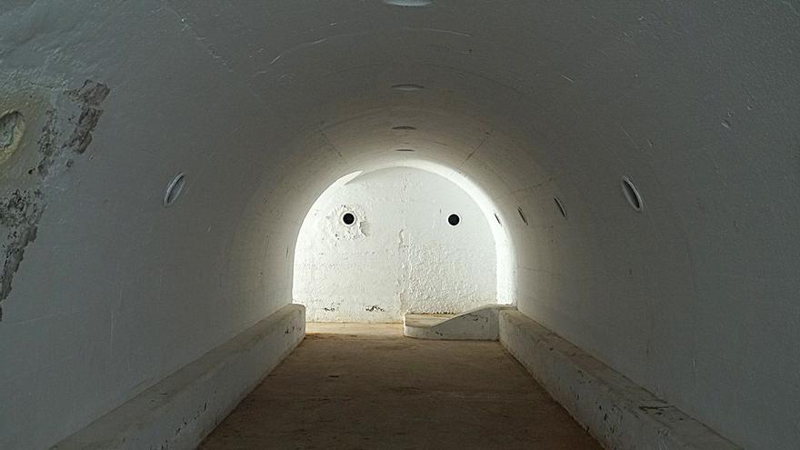 Refugio antiaéreo de la Guerra Civil en el IES El Grau de València.