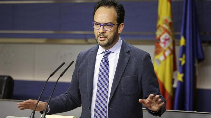 """Hernando acusa al PP de """"cercenar la libertad de expresión"""" prohibiendo la estelada"""