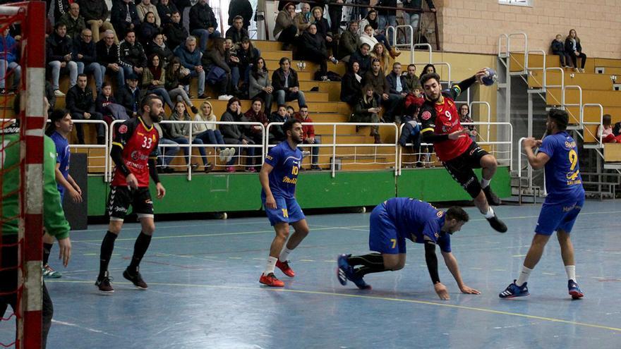 Lance de un partido del Cajasur Córdoba Balonmano esta temporada en el pabellón de Fátima | CBM
