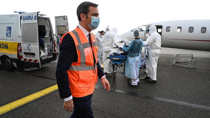 La presión sanitaria es aún muy alta en Francia, pese a mejorar