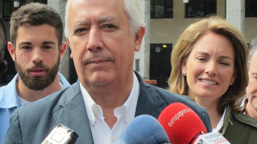 Arenas pide a Sánchez que rectifique por compararles con Bildu y recuerda que PSE gobernó en Euskadi gracias al PP