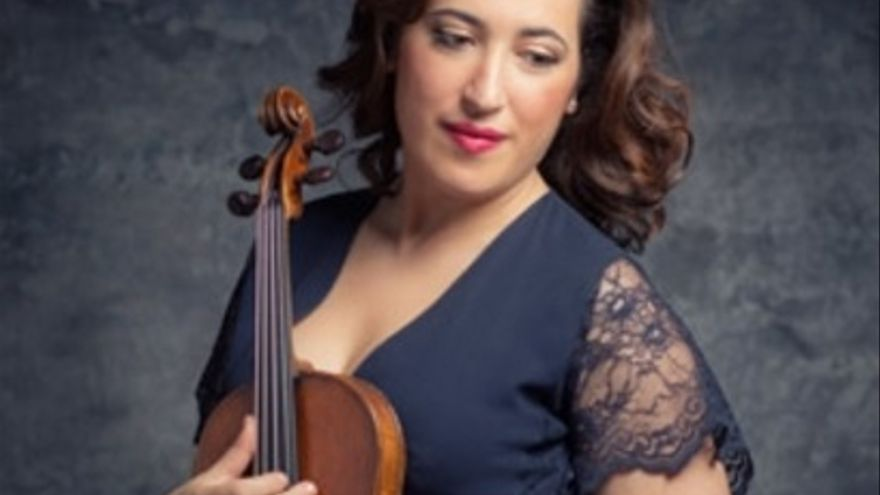 Mariarosaria D'Aprile, violinista y una de las artistas participantes