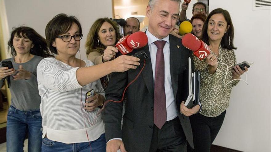 Urkullu medió con empresarios catalanes que Puigdemont convocara elecciones
