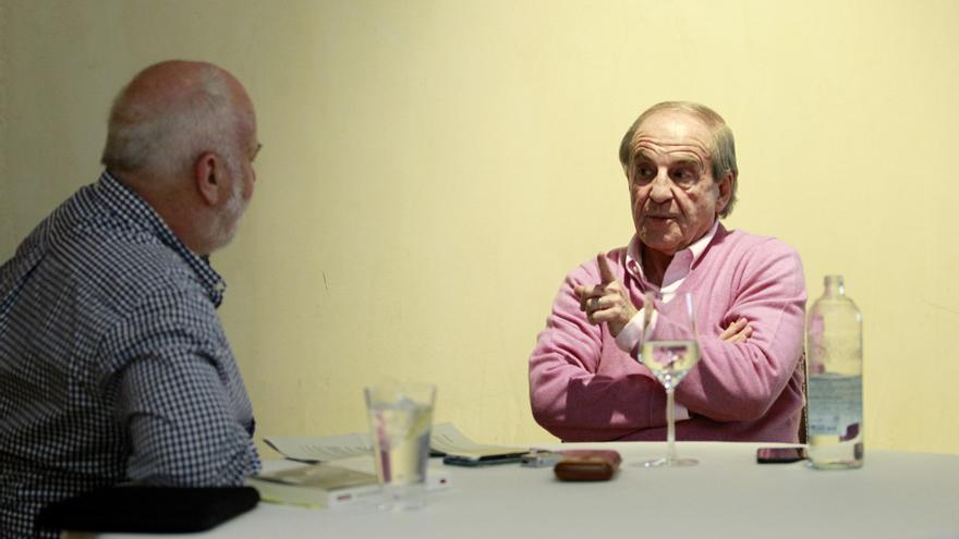 José María García, en un momento de la entrevista con Ramón Lobo.
