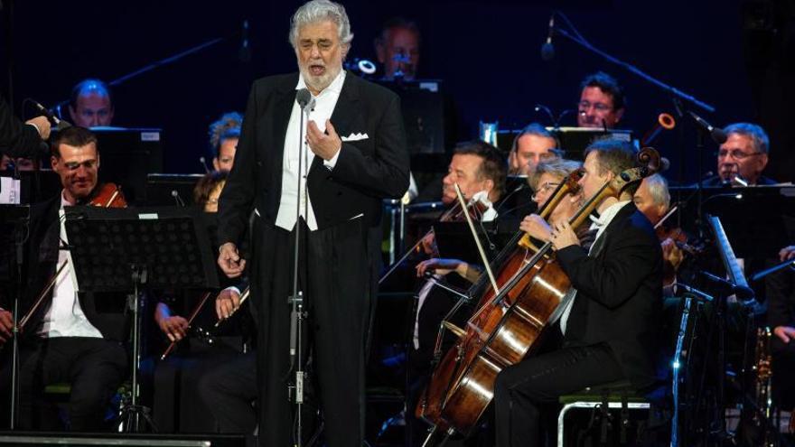 """La Zarzuela cancela el concierto de Domingo """"en solidaridad con las mujeres"""""""