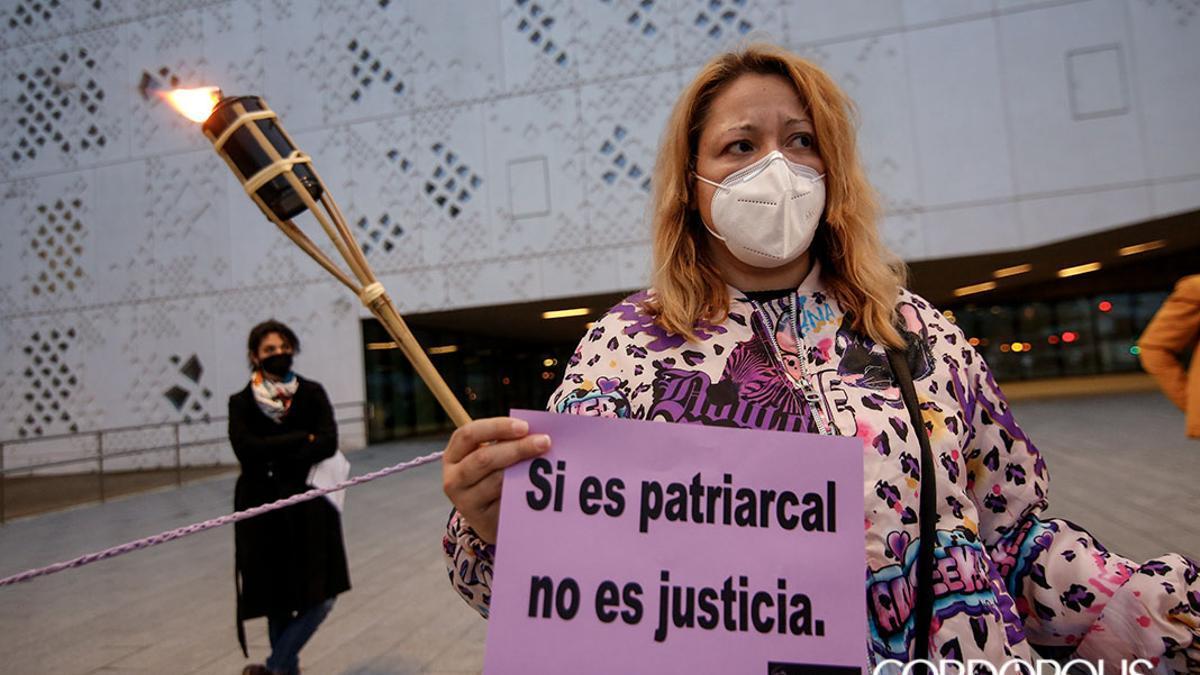 Acción de la Plataforma Cordobesa contra la Violencia a las Mujeres en la Ciudad de la Justicia.