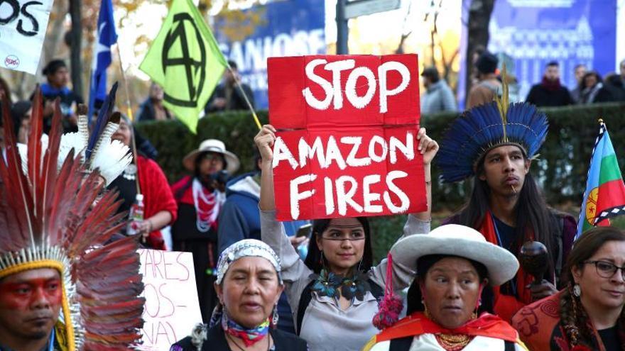 Algunos de los asistentes a la Marcha por el Clima.