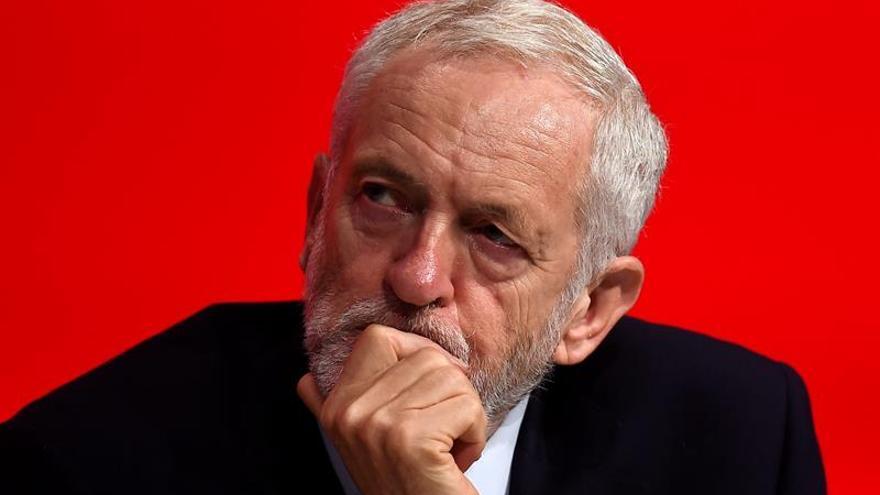 """El Laborismo """"no puede apoyar"""" el """"brexit"""" de May, según Corbyn"""