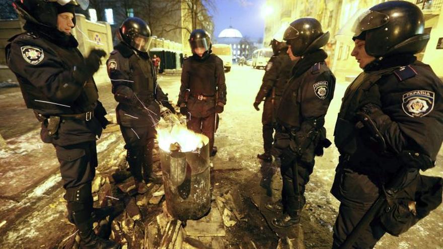 El Parlamento de Ucrania se reúne para debatir una amnistía a los manifestantes