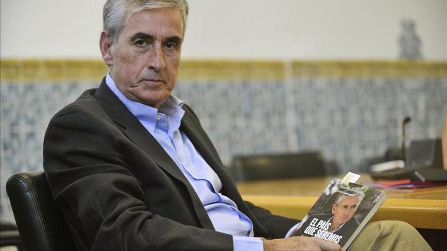 Jáuregui dice que Nnnguna constitución española va a admitir la autodeterminación