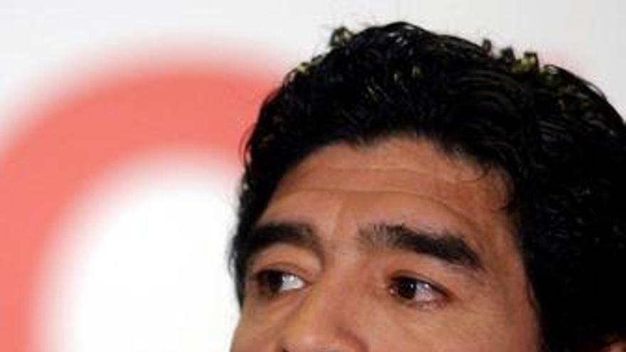 Maradona convoca a Higuaín y Pablo Aimar como principales novedades