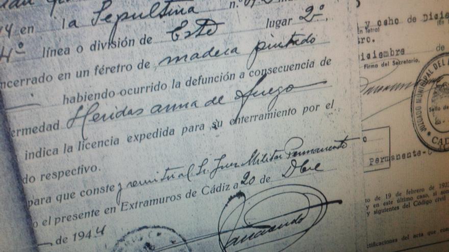 Certificado de inhumación de un fusilado.