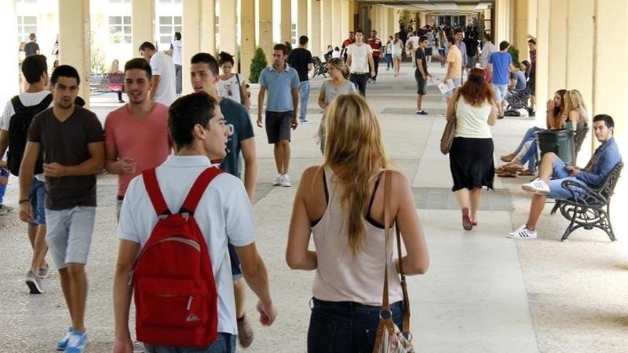 Tres de cada cuatro jóvenes trabajan a tiempo parcial porque no les contratan a jornada completa