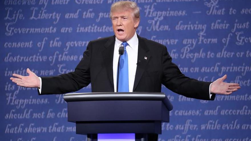 A Trump le explota un escándalo machista a un mes de las presidenciales