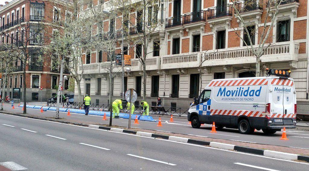 El Ayuntamiento blinda el carril bici de los bulevares
