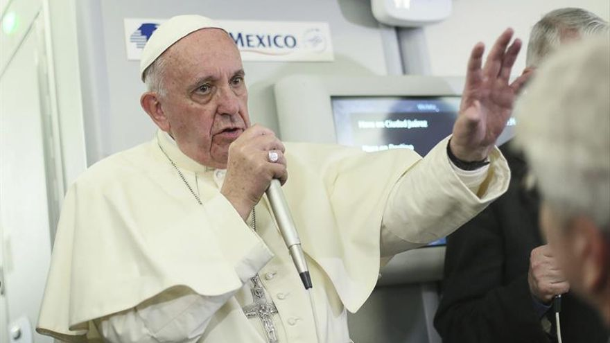 Francisco habló del zika y de las cartas de Wojtyla a su vuelta de México