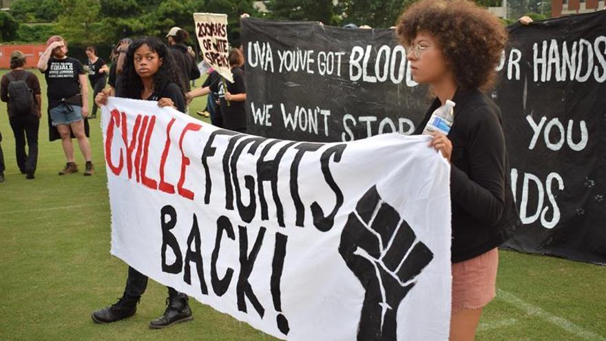 Líderes locales recuerdan en Charlottesville a víctimas de marcha neonazi