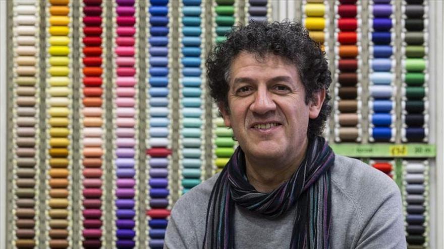 Paco López Mengual dice que para escribir hay que molestar y despojarse de vergüenzas