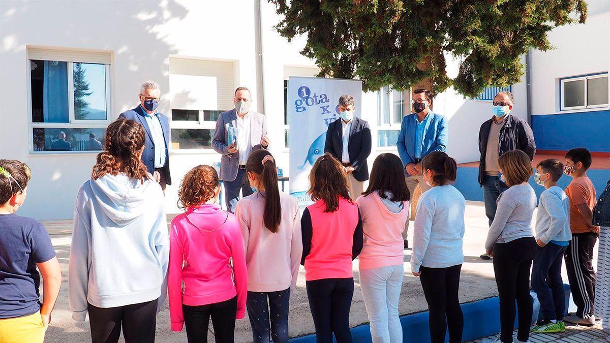 Taller de Emproacsa en un colegio en Iznájar.