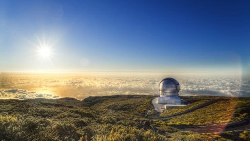 El Gran Telescopio Canarias, ubicado a unos 2.400 metros de altitud en el Observatorio del Roque de Los Muchachos, en Garafía (La Palma). Crédito:Pablo Bonet.