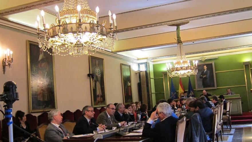 En Oviedo, con el 42,46% escrutado, el PP logra 10 concejales, PSOE 6, Somos 6, IU 3 y C's 2