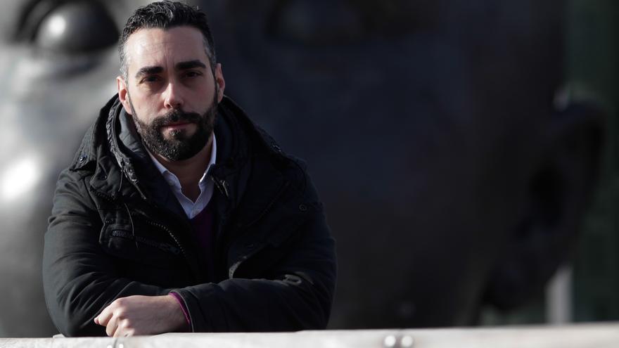 El periodista y activista en defensa de los consumidores Rubén Sánchez, autor de 'Defiéndete' (Martínez Roca). /  Marta Jara