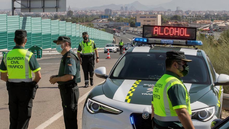 4,5 millones de españoles han conducido tras mezclar fármacos y alcohol