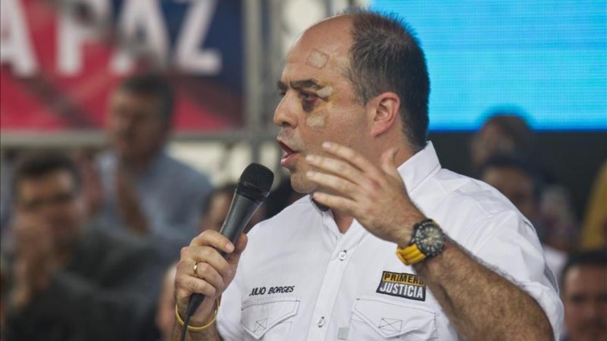 Los opositores venezolanos no renuncian a la vía democrática del voto