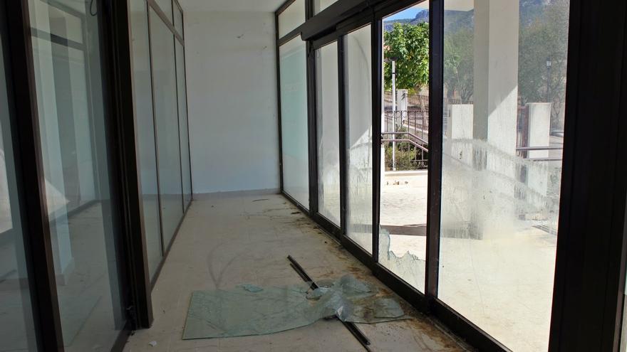 Estado actual de la puerta del inmueble, en Priego (Cuenca)