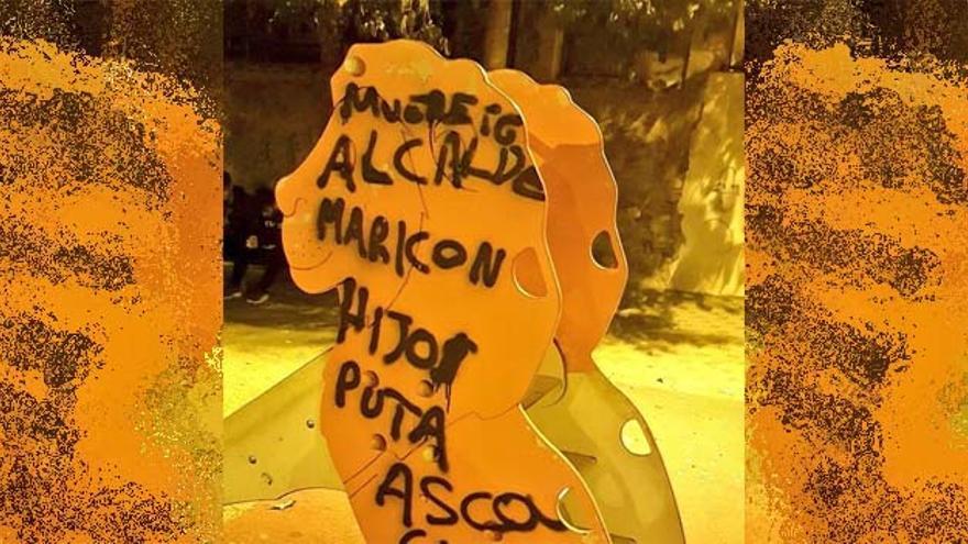 Pintadas homófobas contra el alcalde pedáneo de Algezares