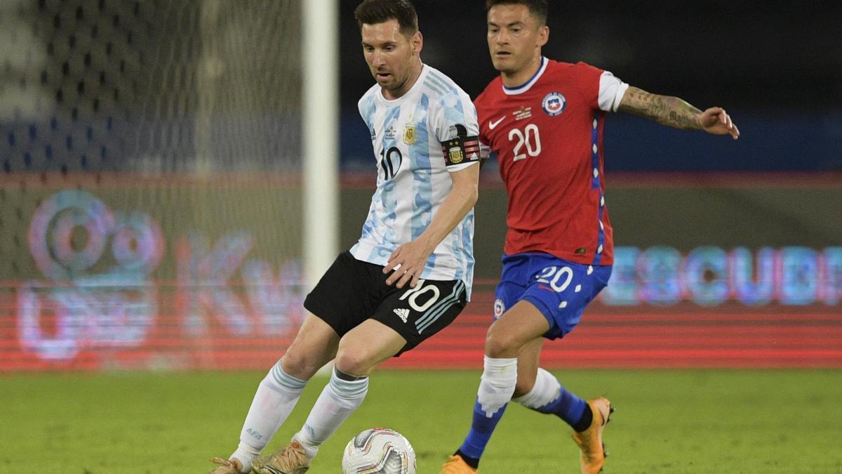 Messi convirtió el único tanto de Argentina, mediante un tiro libre.