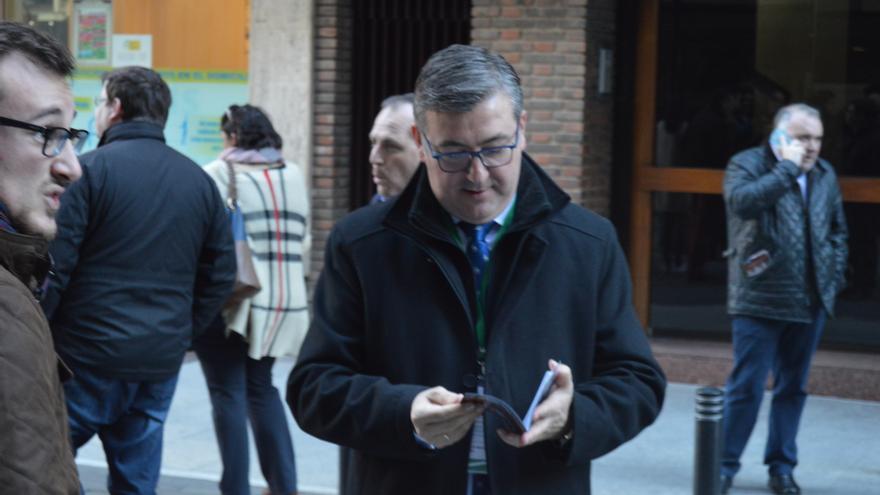 Marcial Marín, consejero de Cultura de Castilla-la Mancha, llegando al Congreso de Tauromaquia / Foto: Javier Robla
