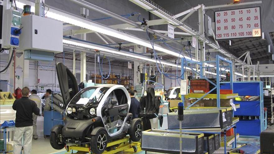Los precios industriales subieron el 2,7 por ciento en 2012, una décima menos