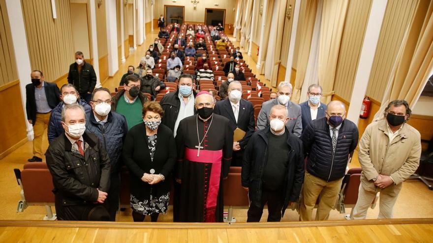 El obispo y las cofradías suspenden oficialmente las procesiones de la Semana Santa 2021