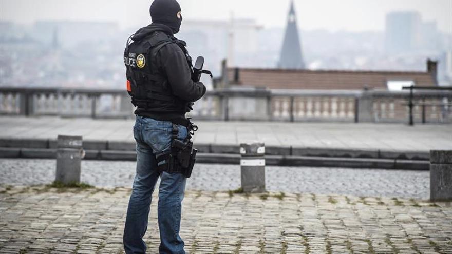 Bélgica mantiene el nivel de alerta y revisará la seguridad para su fiesta nacional
