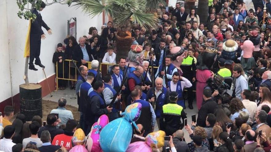La Fiscalía de Sevilla investigará la quema del muñeco de Puigdemont en Coripe