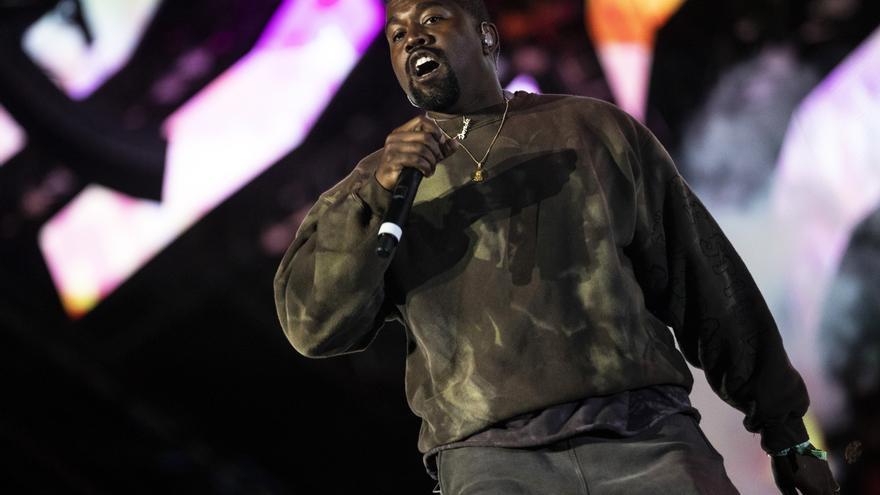 Unas zapatillas de deporte de Kanye West, a la venta por un millón de dólares