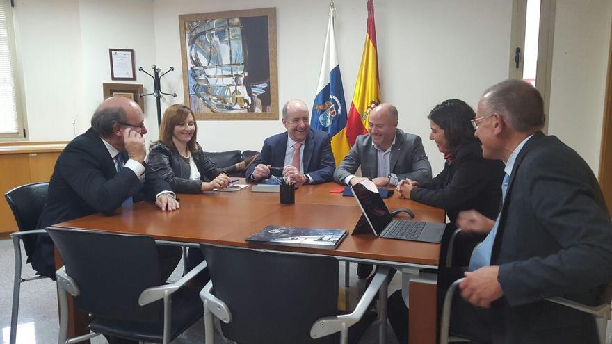 Reunión de trabajo para continuar impulsando el establecimiento del Telescopio de Treinta Metros (TMT) en La Palma.