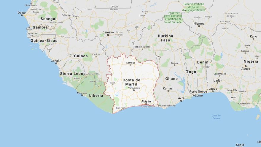 Muere una monitora española y diez jóvenes resultan heridas en un accidente de autobús en Costa de Marfil