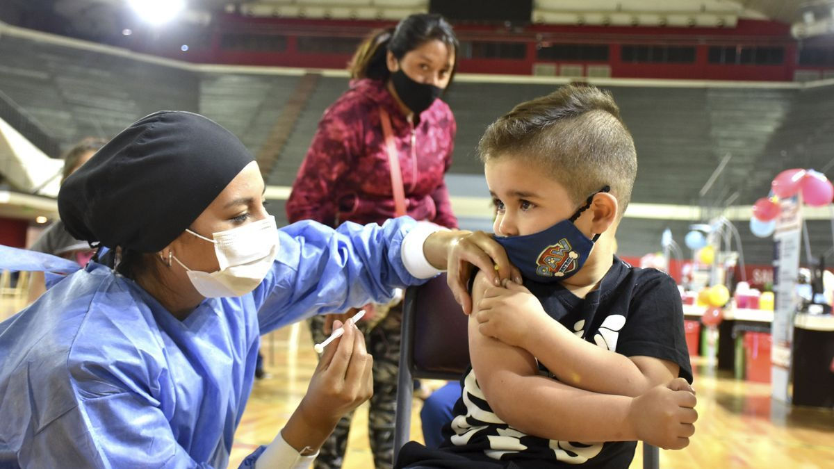 Salud lanzó de manera simultánea la vacunación contra el COVID-19 para niños y niñas de 3 a 11 años en la provincia de San Juan.