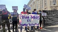 Concentración frente al Congreso para pedir la regularización de los inmigrantes sin papeles.