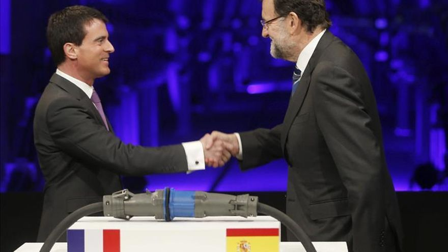 Rajoy apela a la unión frente a la segregación poco antes de verse con Mas